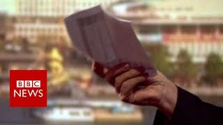 Public sector pay: Philip Hammond shown cleaner's payslip- BBC News