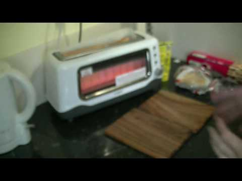 how to make a toastie with a toaster