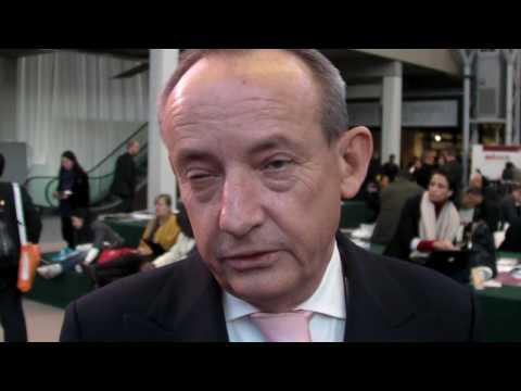 Yvo De Boer gives OneClimate an update on COP15 in Copenhagen