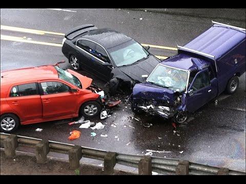 Sunil Gavaskar Car Accident Escapes In London Jaguar Damaged Youtube