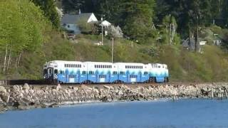 Sounder commuter train nearing Picnic Point