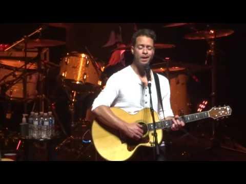 """El Camino"" – Amos Lee – Radio City Music Hall – NYC – September 10 2016"