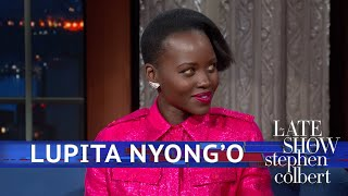Oscarwinnaar Lupita Nyong'o vertelt bij Stephen Colbert over nieuwe film Us