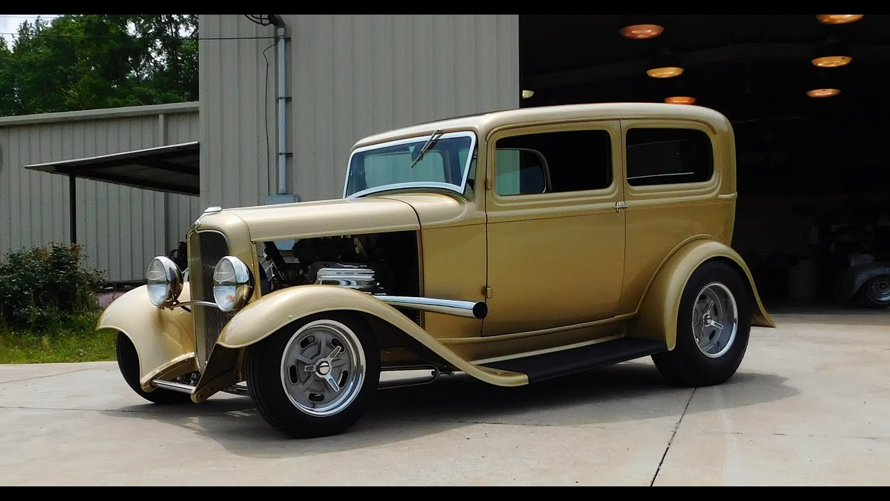 1932 Ford Tudor Sedan Hot Rod \