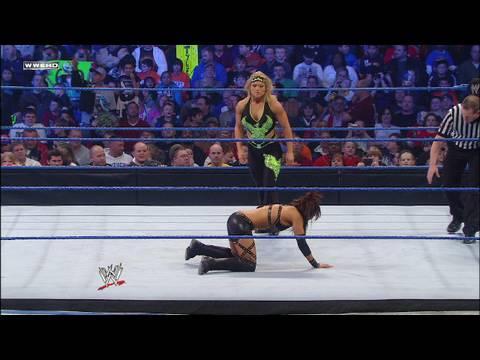 Beth Phoenix vs. Layla