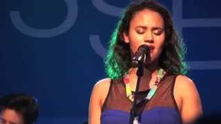Mayra Andrade - Ténpu Ki Bai - Live in Berlin (7 / 17)