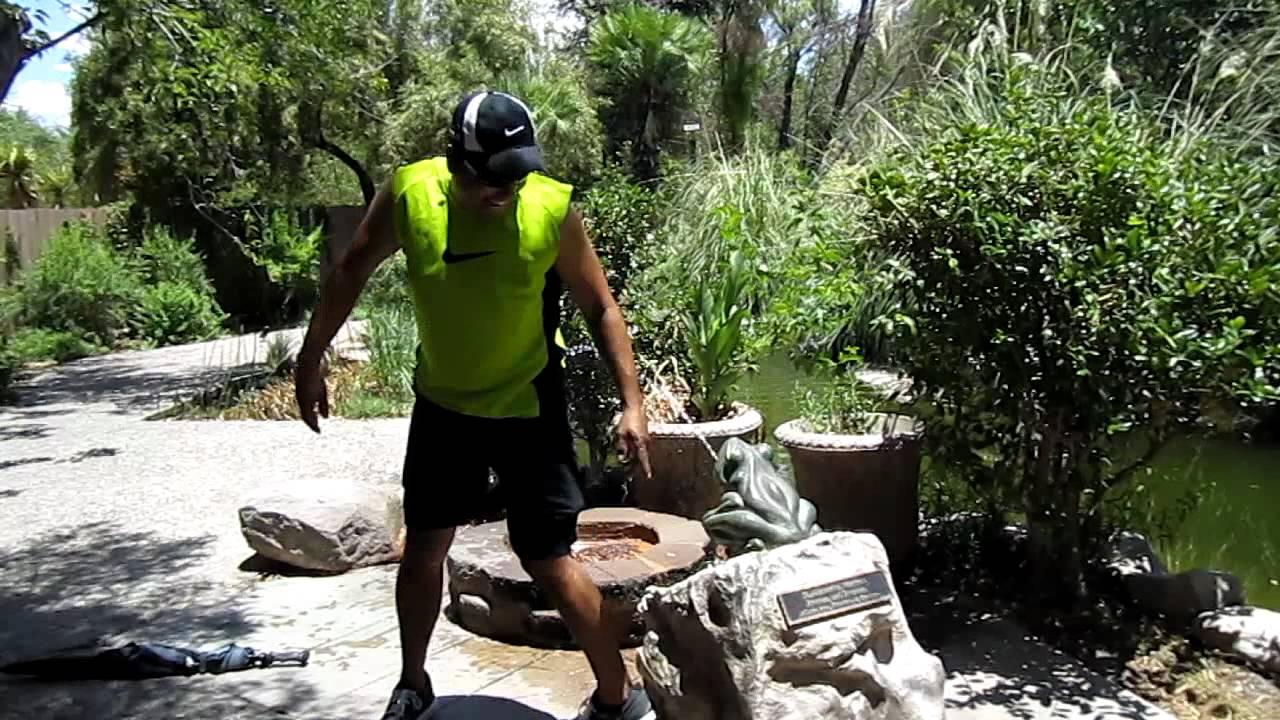 Videos de hombres orinando