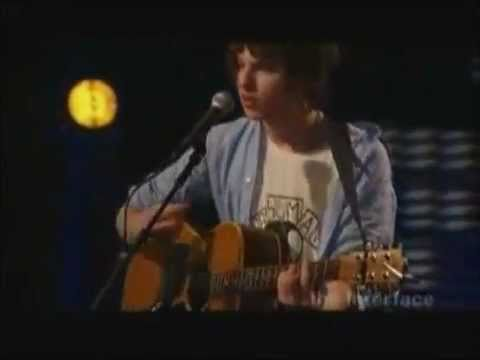 The Kooks  She Moves In Her Own Way Subtitulada