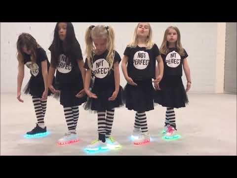 Kızların Gösterisi (Sinsirella)