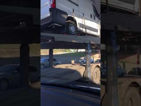 Сухумское шоссе Новороссийска стоит в пробках не только из-за дорожников