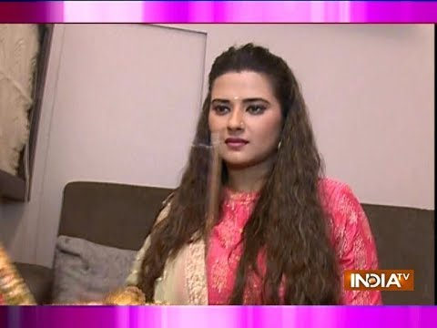 Watch Kasam Tere Pyaar Ki Star Kratika Sengar's Durga Puja Celebration With SBAS Team