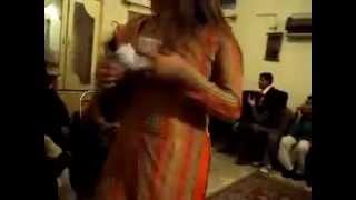 Pashto New Hot & Sexy Dancer - New Private Dance Video 2013