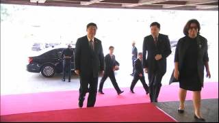 WATCH: After awkward red carpet walk, PNoy, Xi chat during APEC