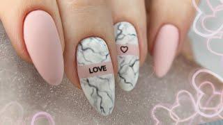 Дизайн ногтей на День Влюбленных Мраморный маникюр Нежный маникюр Текстура камня на ногтях