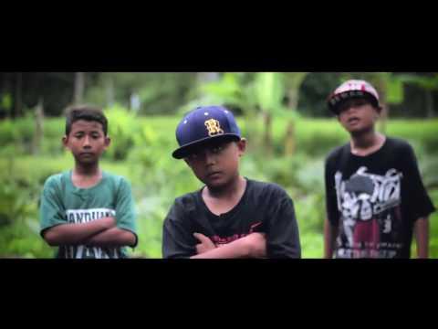 Rap 'Bocah Kampung' yg Lagi ngeHitz. Asyik, Sederhana namun Penuh Makna