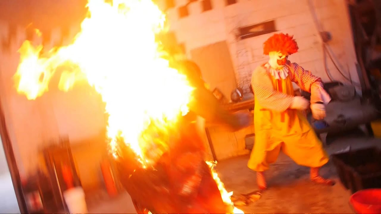 Ronald Mcdonald Burns The Burger King Youtube