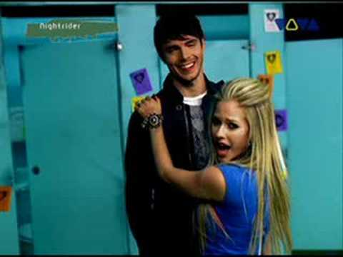 Avril Lavigne Girlfriend New Video Youtube