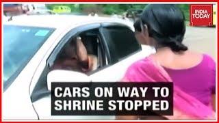 Kerala Police Giving Free Hand To Sabarimala Protestors Conducting Roadchecks?