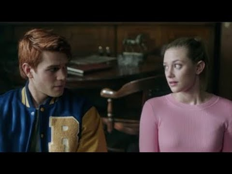 Riverdale Finally REVEALS Identity Of The Black Hood?