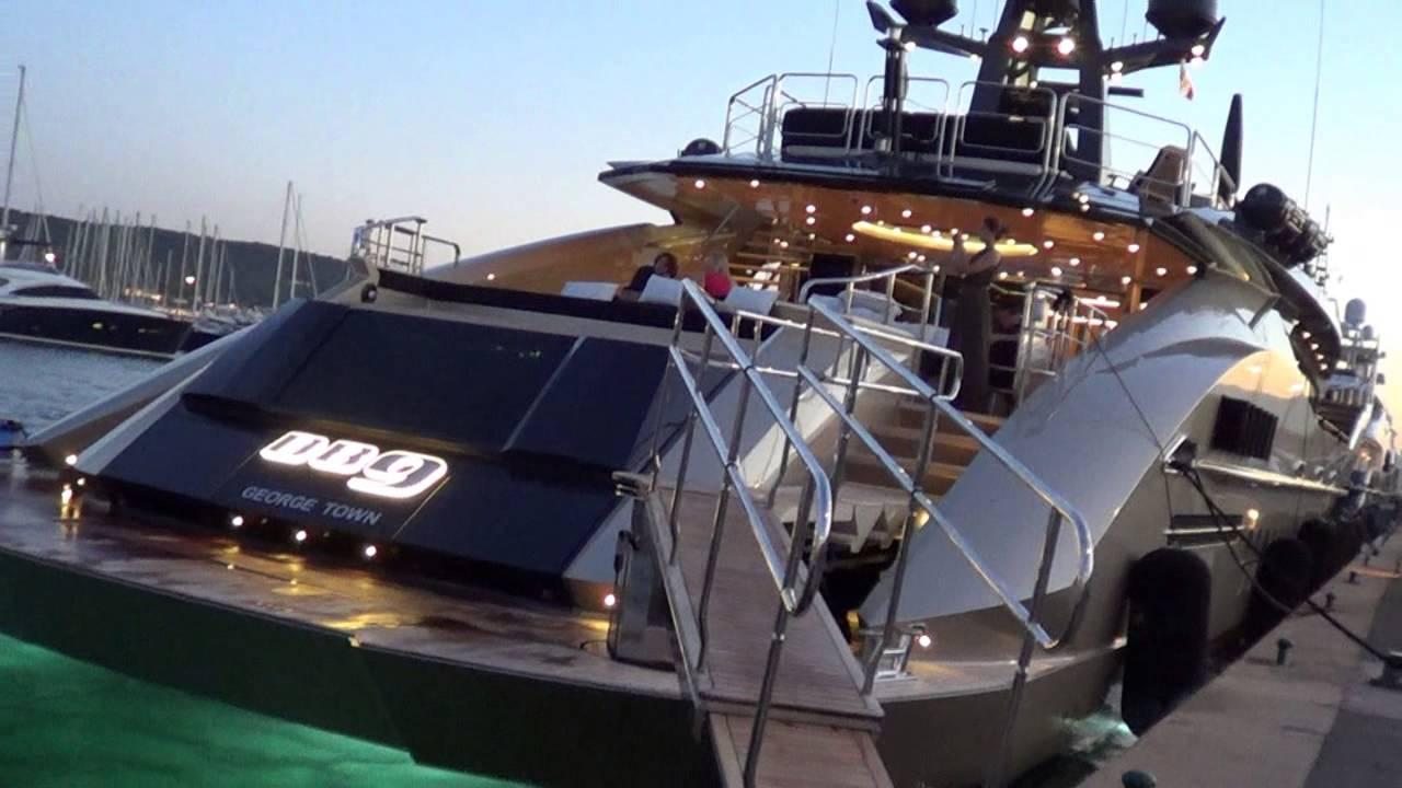 Aston Martin DB9 Yacht and Gulf Racing Yacht in Saint-Tropez + Combo's!
