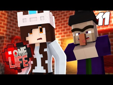 WHOSE HOUSE IS THIS?  One Life SMP 2.11