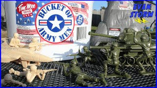 Bucket of Plastic Army Men Tank Jets & Soldiers Battle Play Time Tim Mee Toys