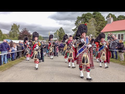 Massed pipes & drums parade to the 2018 Braemar Gathering Royal Highland Games in Scotland (4K)