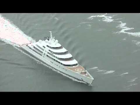 Motor Yacht Azzam on Sea Trials - Carl Groll / TheYachtPhoto.com