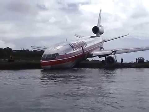 Hawaiian Airlines runs out of runway