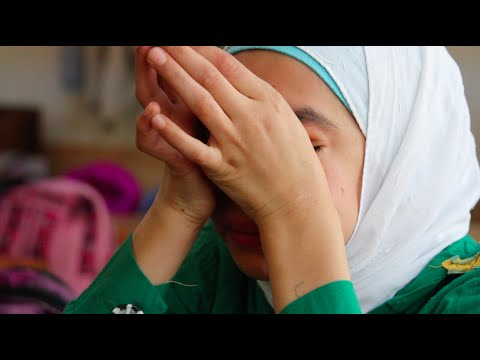 Emotional interview with little Syrian refugee girl.