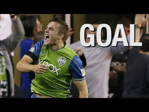 GOAL: Jordan Morris scores his first professional goal for Seattle Sounders FC