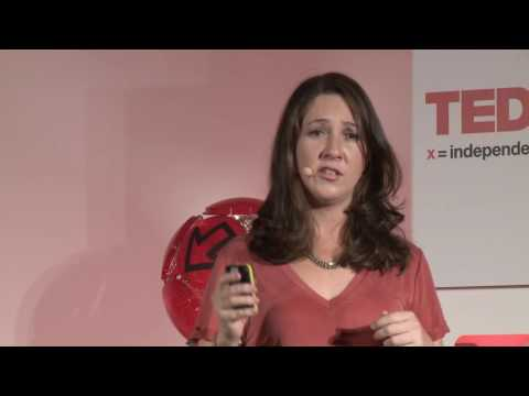 Mind Your Business: Redoing Entrepreneurship | Elena Rodriguez Blanco | TEDxModulUniversity