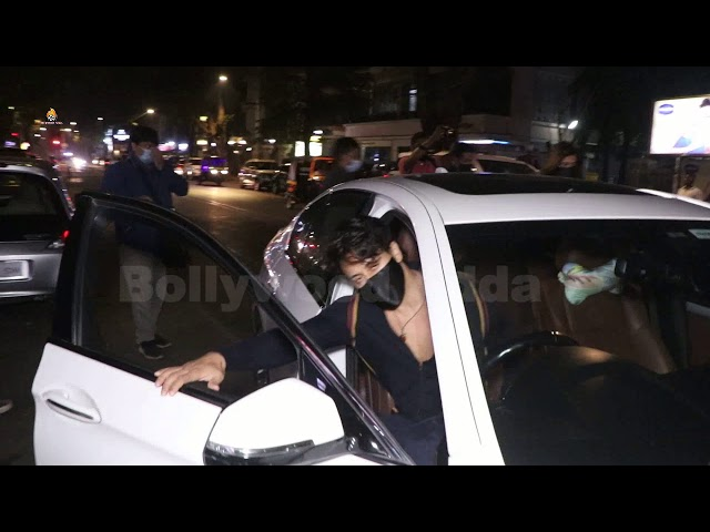 Tiger Shroff & Disha Patani Snapped At  Hakkasan Bandra For Dinner