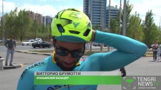 Каскадер на велосипеде устроил заезд по стенам 'Хан Шатыра' в Астане