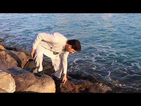 نزديك بود آغا بيادر در بحر دبي غرق شود