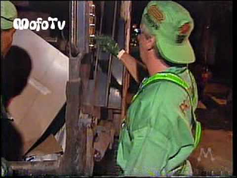 Otávio Mesquita vira gari no Domingo Milionário - Tv Manchete (1997)