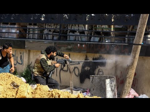 ليبيا: قوات حكومة السراج تعلن هجوما مضادا على مقاتلي حفتر في جنوب طرابلس  - نشر قبل 3 ساعة