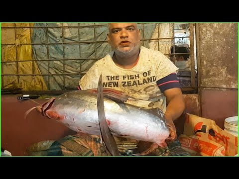 Long Whiskered Catfish Cut Into Pieces By Smart Fishmonger In Amazing Fish Market