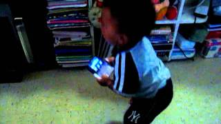 Baki dancing to Freak the Freak Out [Victorious] part 1/2 :)