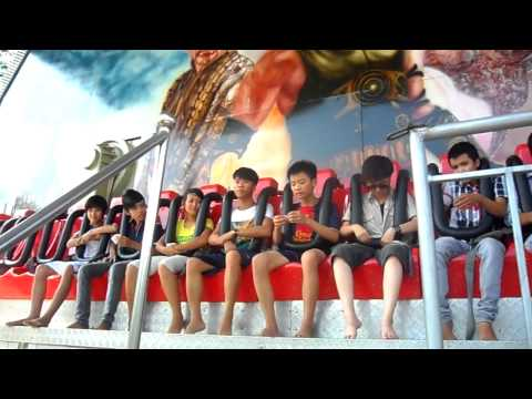 thiếu niên Tk4 chơi thảm bay. Ao Vua 2012 ( clip 2 )