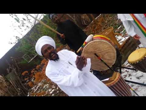 Boboshanti chanting Nyabinghi in the cold