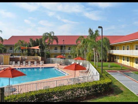 La Quinta Inn Cocoa Beach Port Canaveral Hotels Florida