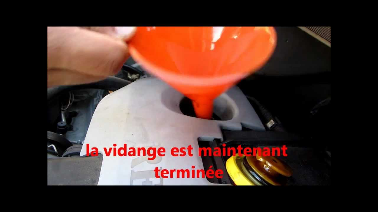 tuto 2 2 faire la vidange d 39 une renault twingo 1 2 16 v how to change engine oil hd youtube. Black Bedroom Furniture Sets. Home Design Ideas
