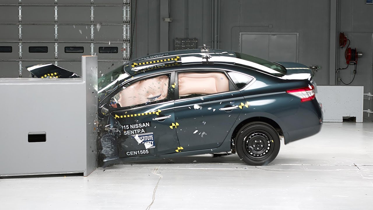 2015 Nissan Sentra Driver Side Small Overlap Iihs Crash Test Youtube