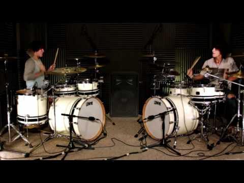 Игра на барабанах - Lady Gaga.