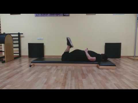 Ejercicios de Pilates en suelo boca abajo