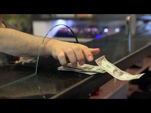 تركيا: البنك المركزي يتعهد باتخاذ إجراءات جديدة لمواجهة انهيار قيمة الليرة التركية  - 13:22-2018 / 8 / 13
