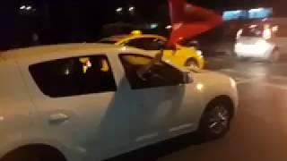 مسيرات مؤيدة للرئيس اردوغان في شوارع اسطنبول والتكبيرات تصدح في انحاء تركيا