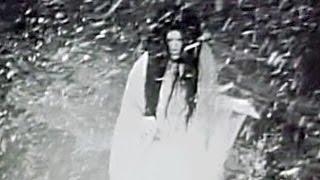 雪女の起源は古く、室町時代末期の連歌師宗祇法師による『宗祇諸国物語...