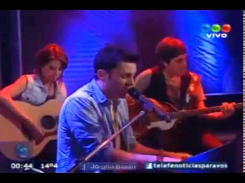 Axel en Diario de Medianoche 20.10.12 (Telefe Vivo)